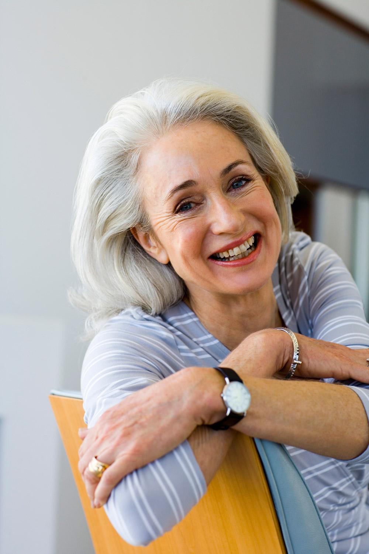 После 60 лет эротикаосматривает гинеколог 6 фотография